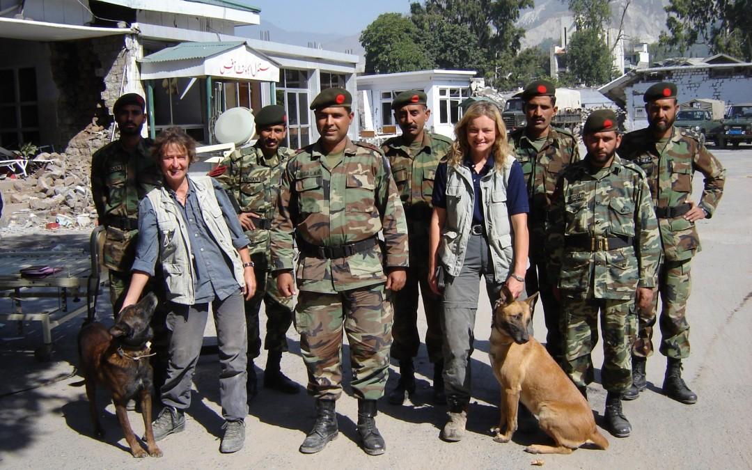 Inzet in Pakistan na de aardbeving (8 oktober 2005)
