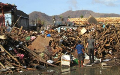 Inzet na de Typhoon Haiyan in de Filipijnen (2 november 2013)!