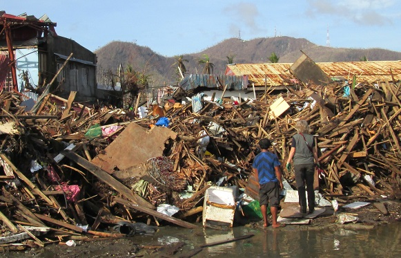 Inzet na de Typhoon Haiyan in de Filipijnen (2 november 2013)!